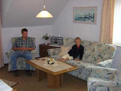 Wohnzimmer mit Fernseher